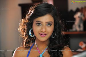Madalsa Sharma High Resolution Photos