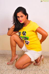 Maa Abbai Engineering Heroine Radhika