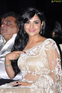 Divya Spandana at Santosham South Indian Film Awards 2012
