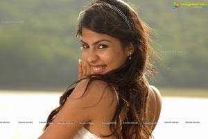 Beautiful Ria Chakravarthi