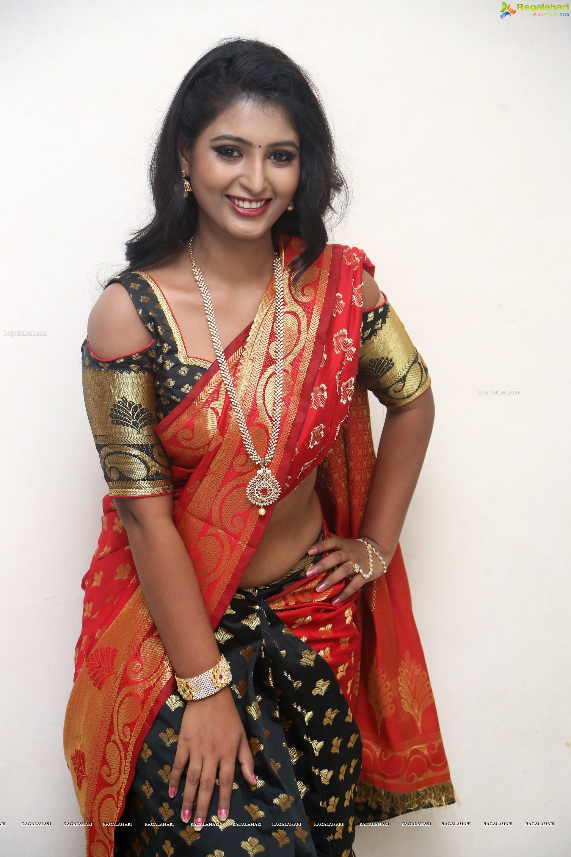 Tanishka Hd Image 21 Telugu Heroines Postersimages Photos
