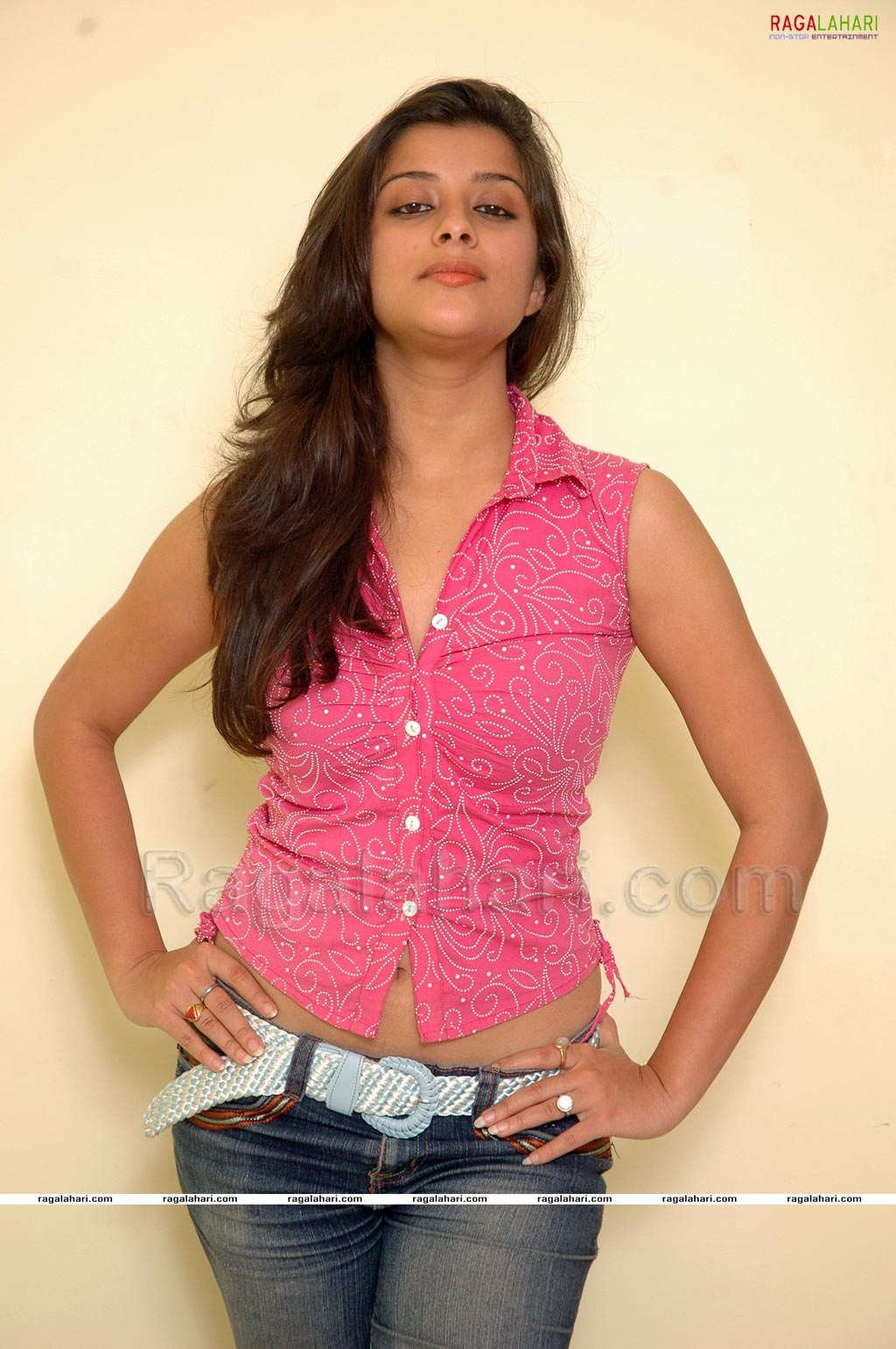 Madhurima Armpit Show in Pink | Indian Armpits