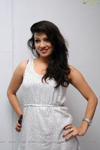Actress Parinidhi