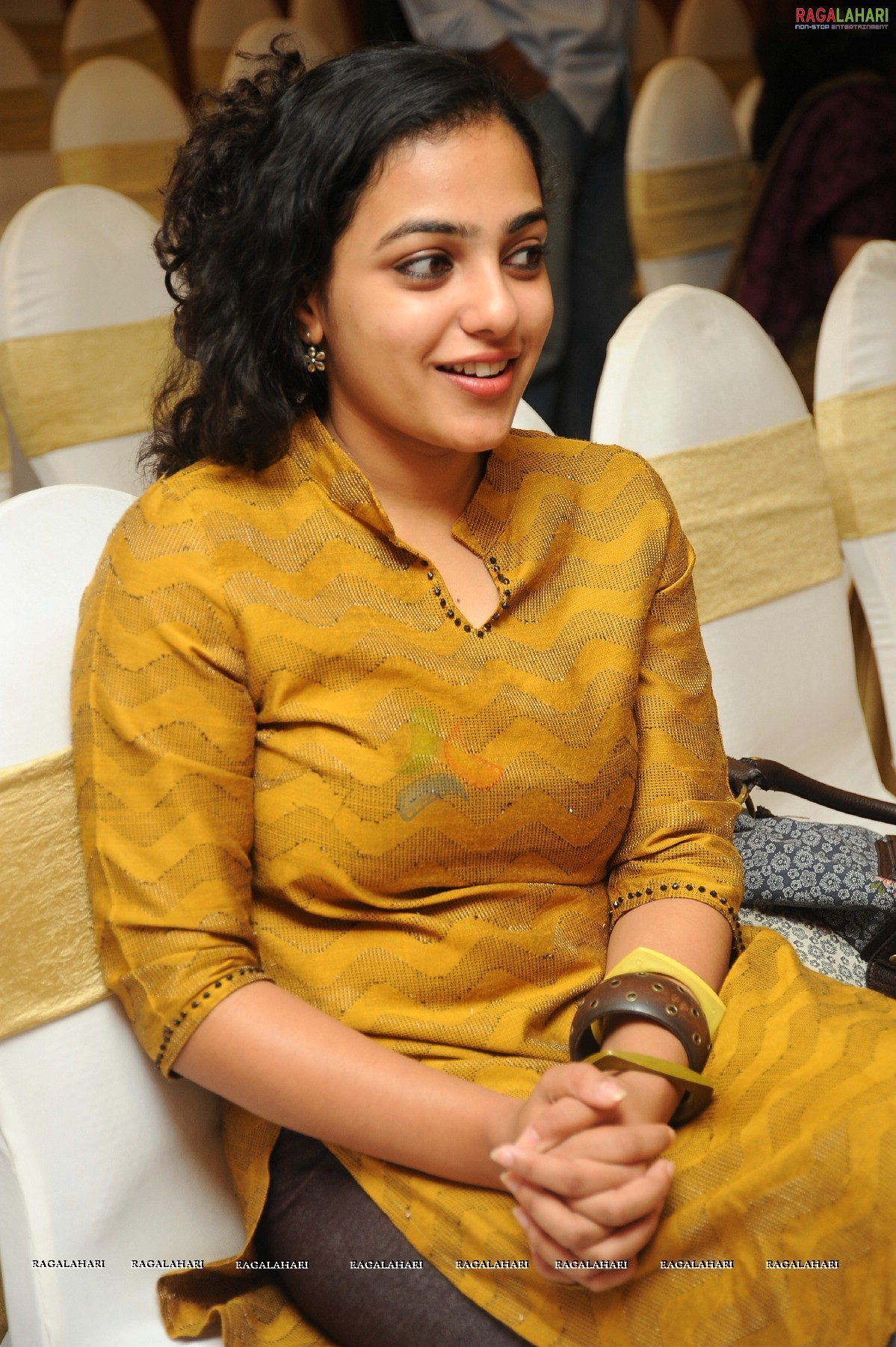nithya menon (hi-res) image 18 | telugu actress hot photos,telugu
