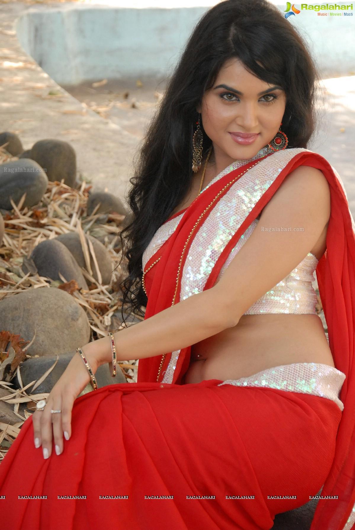 Kavya Singh Glam Sowmya Venugopal Red Saree