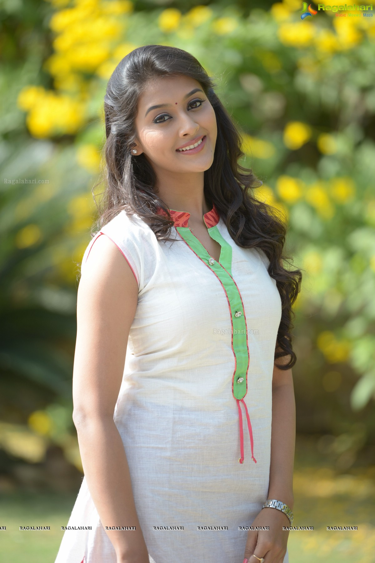 Pooja Jhaveri Image 26 | Beautiful Tollywood Actress ...