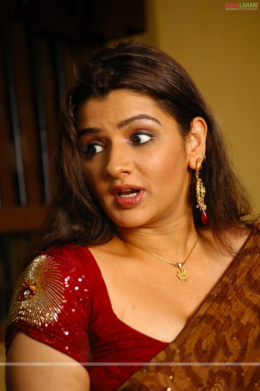 Watch Aarthi Agarwal video