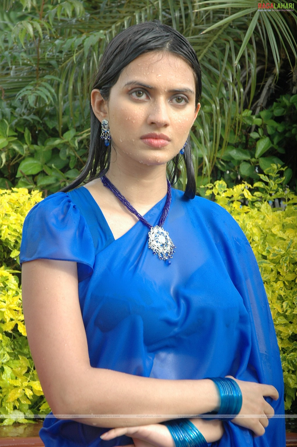 Gowri Pandit Wet Saree Photos Gowri Pandit Wet Saree Photos