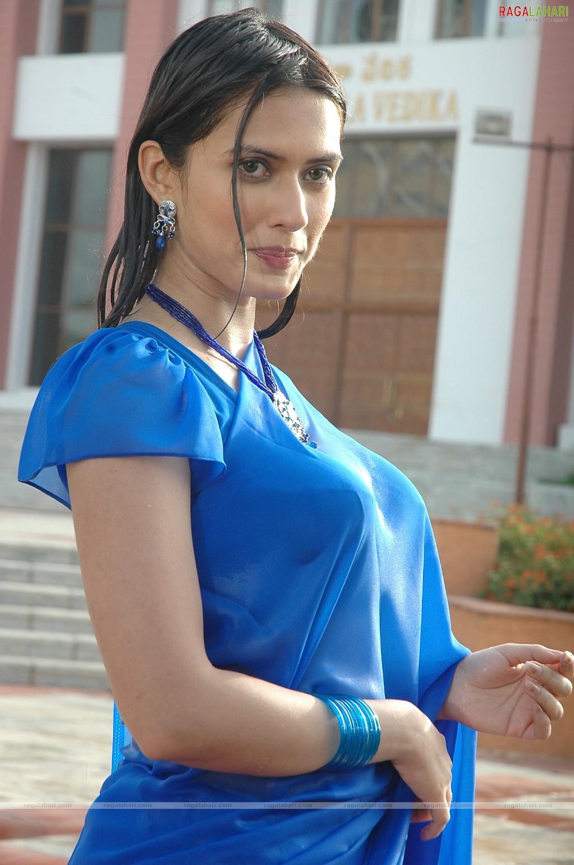 Vivian Velez (b. 1968),Mansi Srivastava 2012 XXX pics Haley Paige,Savitri