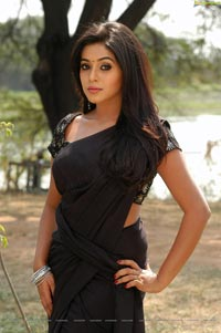 Poorna High Definition Wallpapers