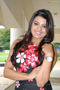 Tashu Kaushik in Sleeveless Dress
