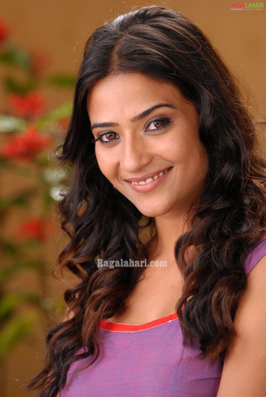 aditi sharma image 12 | tollywood heroines photos,telugu movie