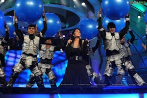 Charmi Stage Dance at Lux Sandal Cinemaa Awards 2011