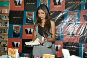 'Bombay Duck is a Fish' Book Launch at Crossword
