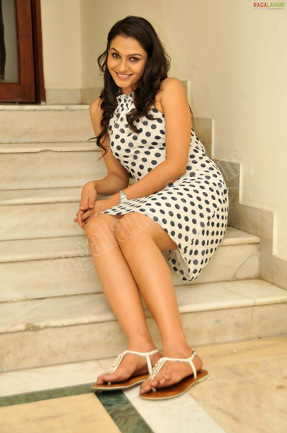 Andrea Jeremiah High Sabha Khan Hot Videos