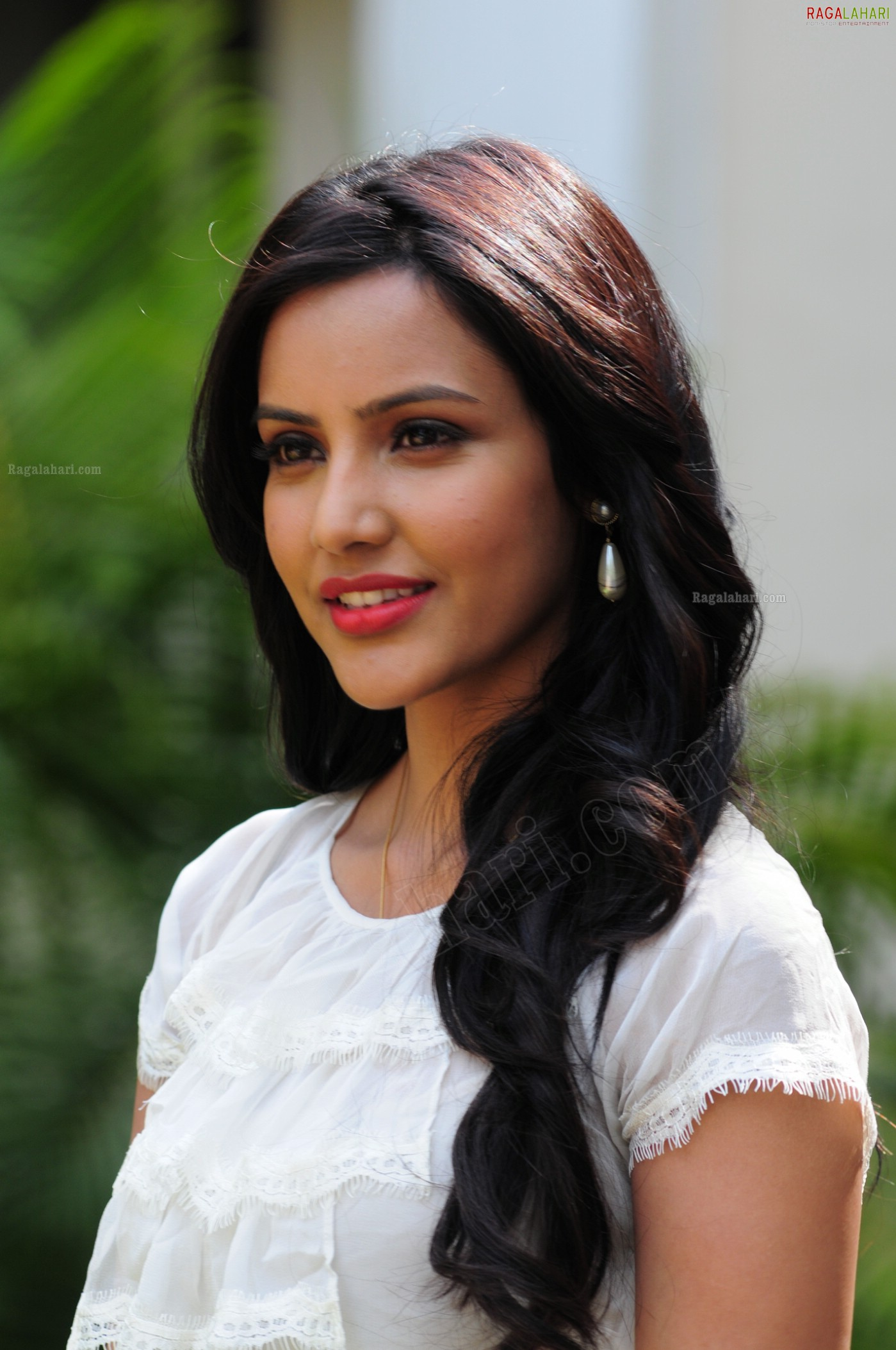 priya anand (ultra hi-res) image 14 | tollywood actress photos