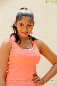 Shruti Reddy High Resolution Photos