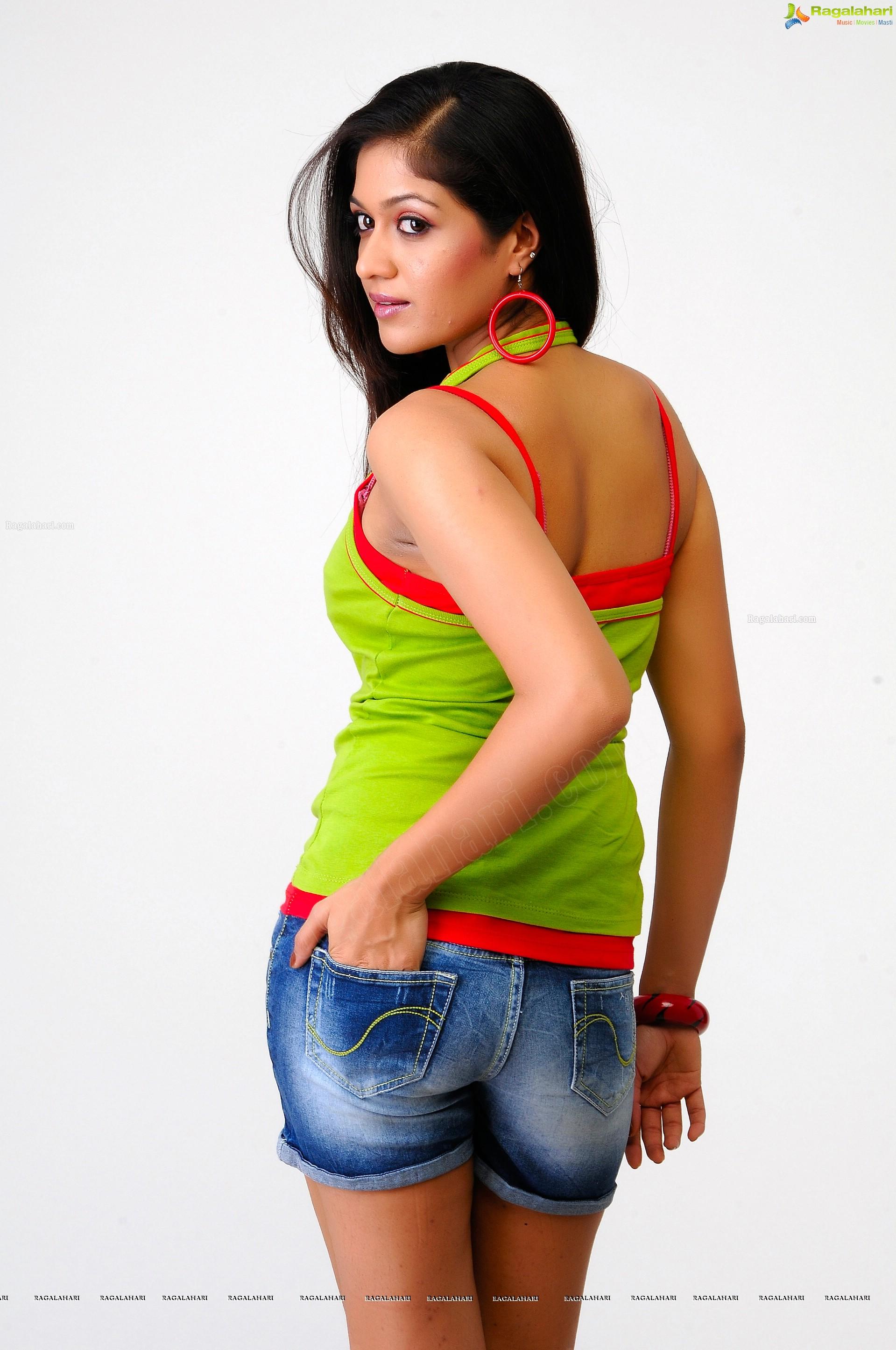 Meghana Raj Hd