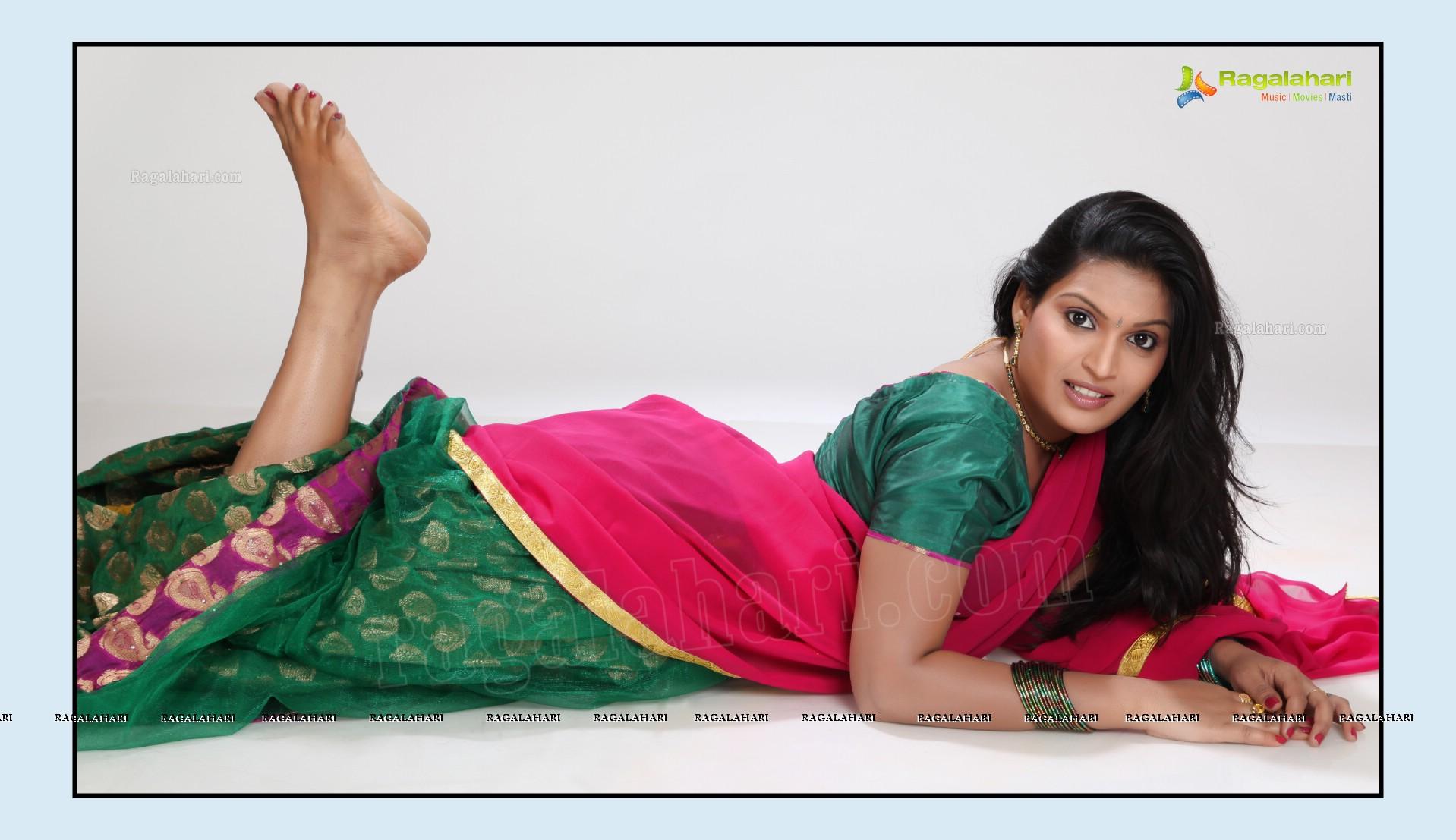 tulasi image 21 telugu movie actress photostelugu