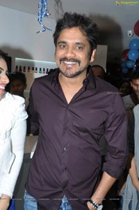 Hero Nagarjuna b:blunt Salon