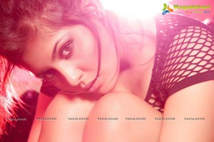 Madhu Shalini Hot Photo Shoot