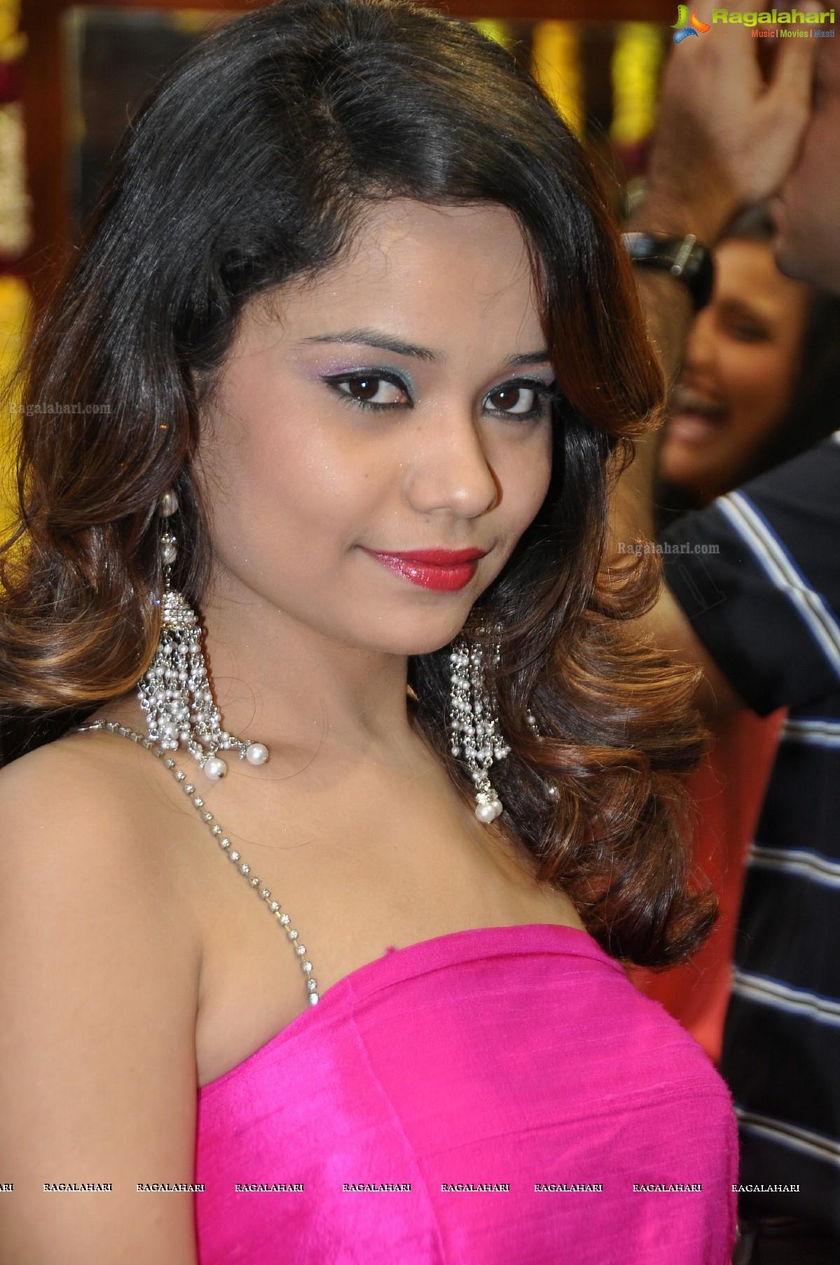 Fathima sexy