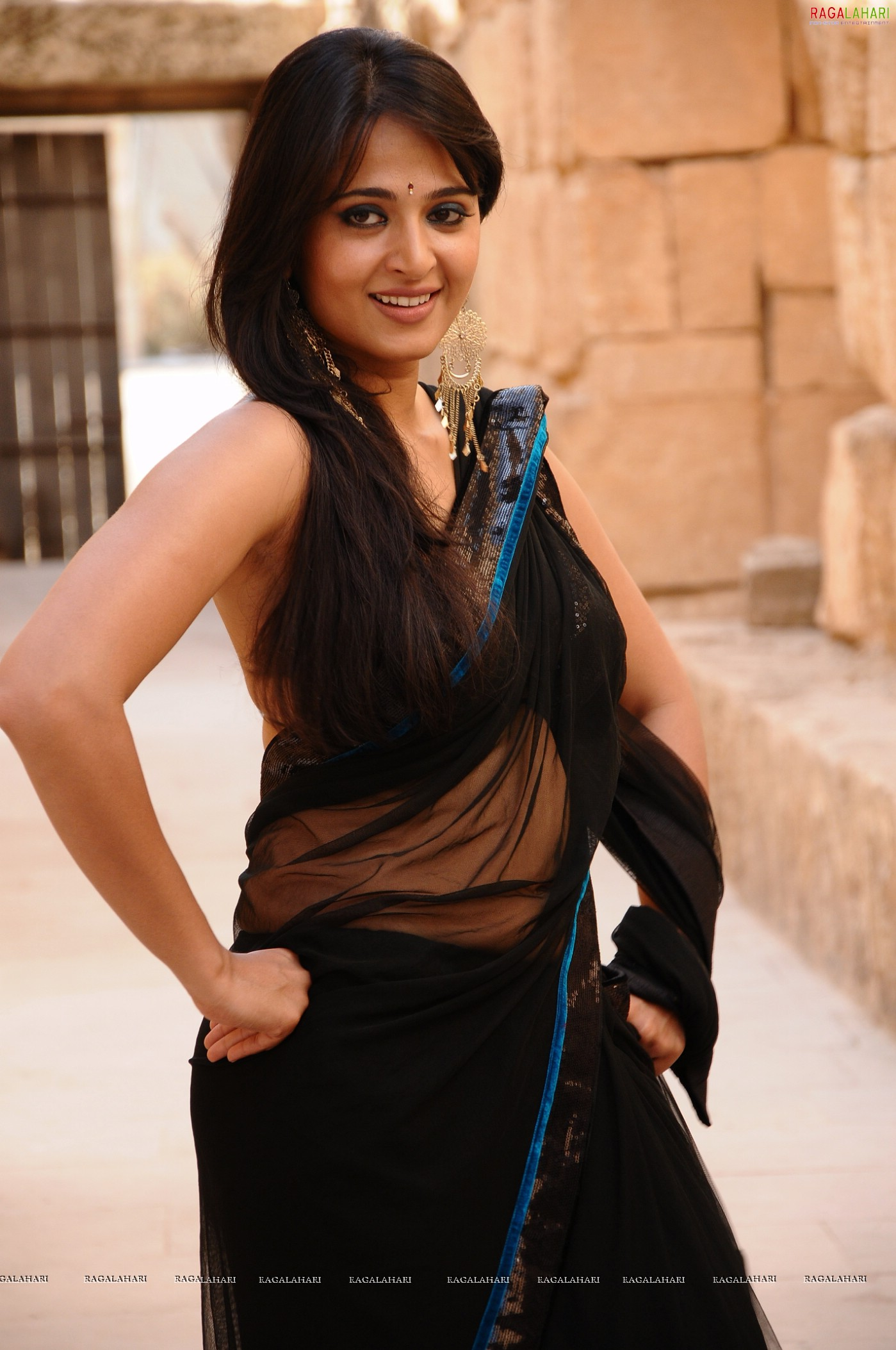 Anushka posters image 135 beautiful tollywood actress pictures anushka posters image 135 beautiful tollywood actress picturesstills heroines hot actress photos thecheapjerseys Gallery