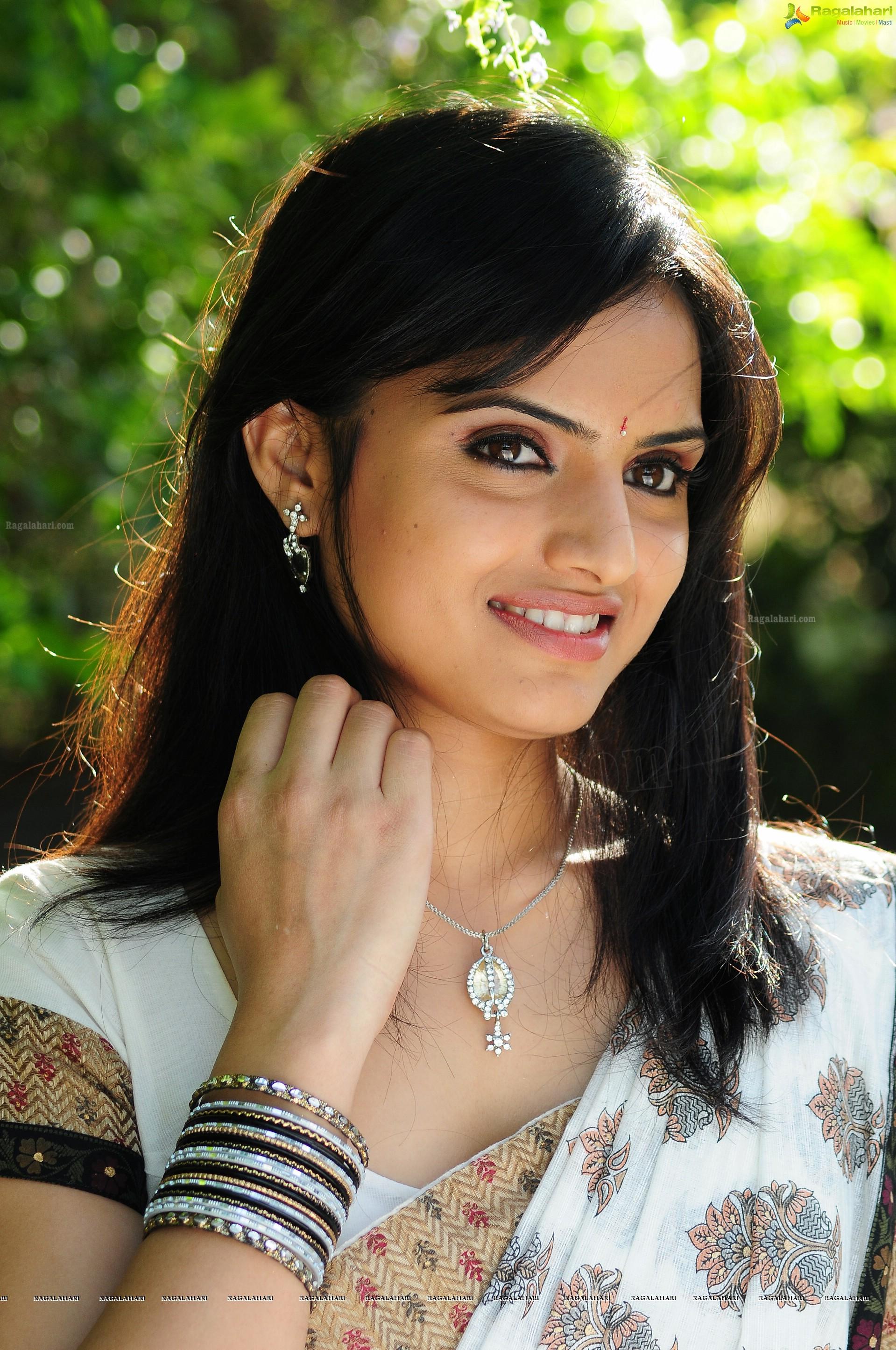 reetu kaur (hd) image 10 | telugu heroines photos,telugu movie