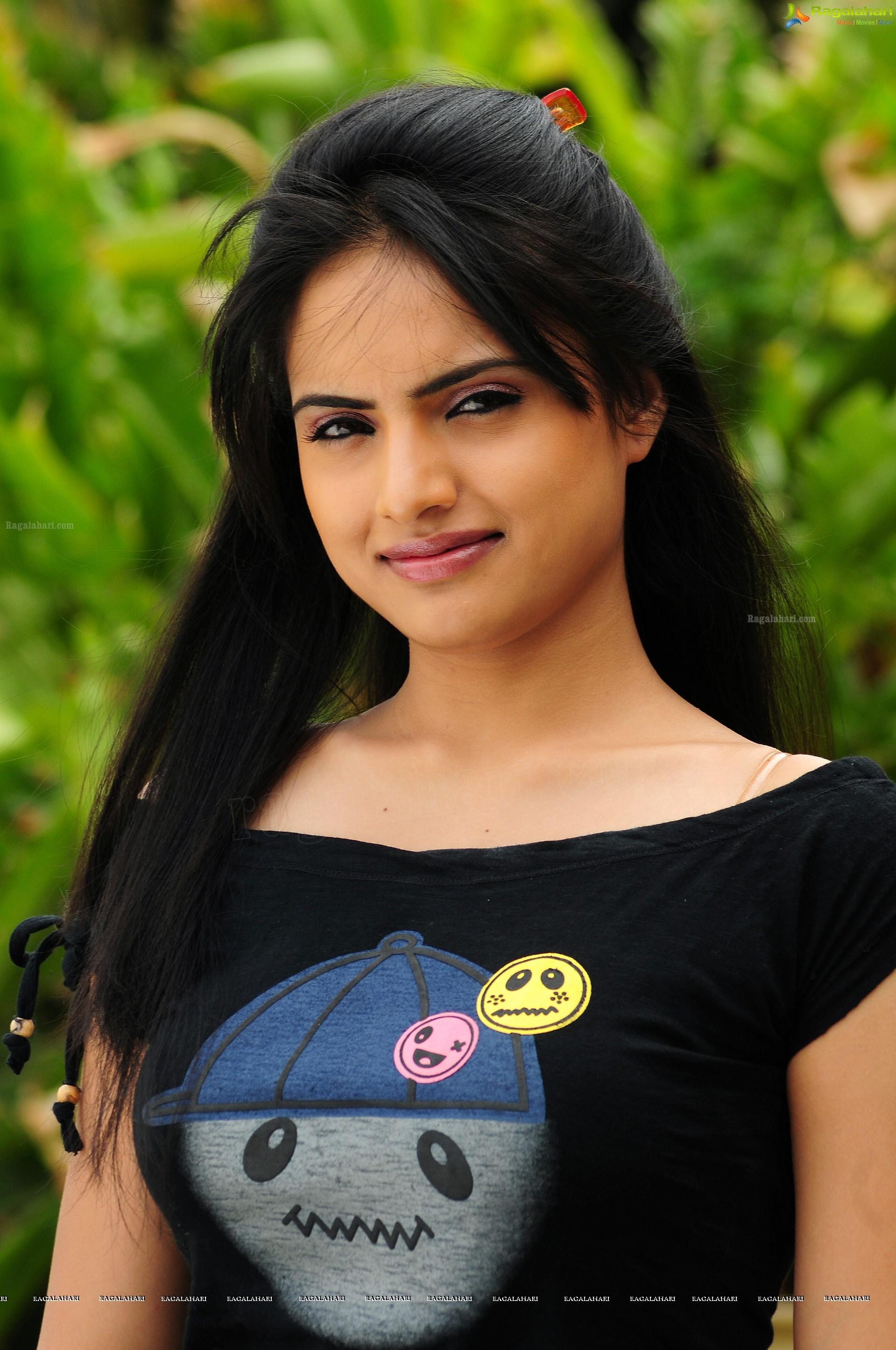 reetu kaur (hd) image 8 | telugu heroines photos,telugu actress