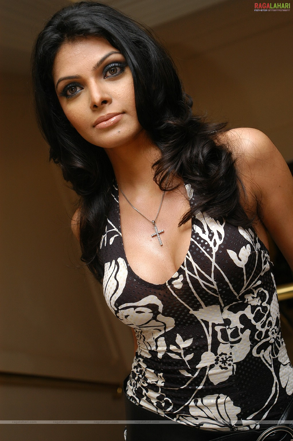 Discussion on this topic: Andrea Cerna, sherlyn-chopra-mona-chopra/
